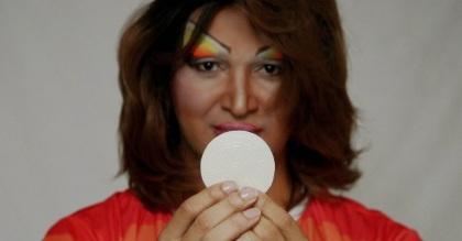 Resultado de imagem para igreja católica celebra o dia das drag queens